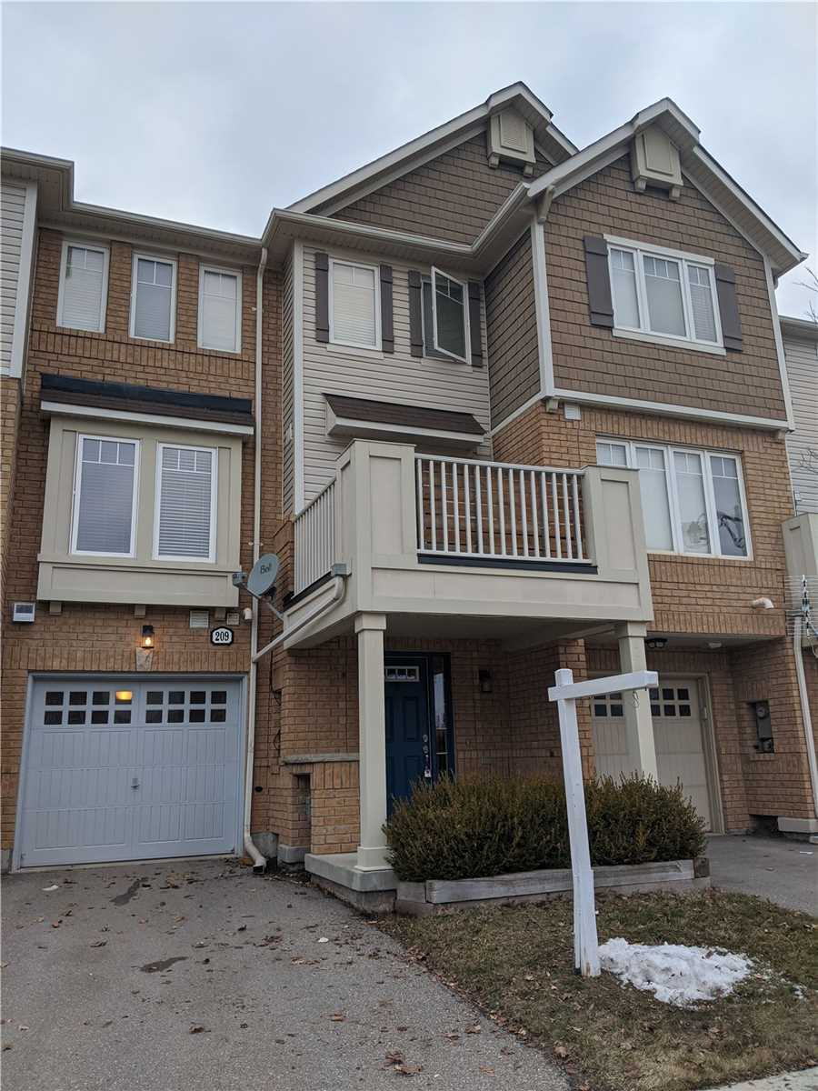 pictures of house for sale MLS: W4710304 located at 209 Schreyer Cres, Milton L9T7B5
