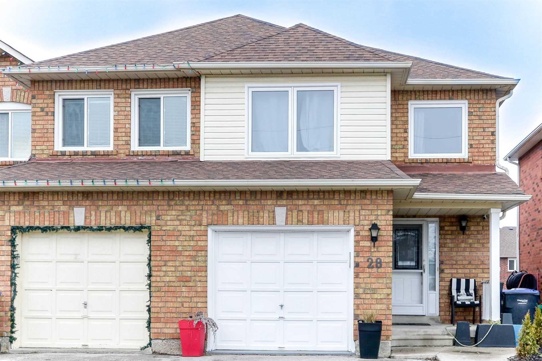 pictures of house for sale MLS: W4717286 located at 28 Pineview Cres, Caledon L7E2H5