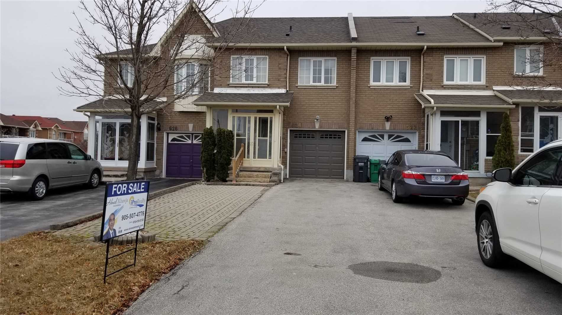 pictures of house for sale MLS: W4718302 located at 624 Lumberton Cres, Mississauga L4Z3Z5