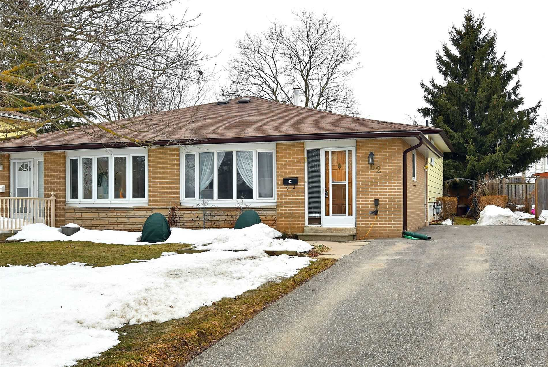pictures of house for sale MLS: W4720154 located at 62 Carlton Dr, Orangeville L9W2X9