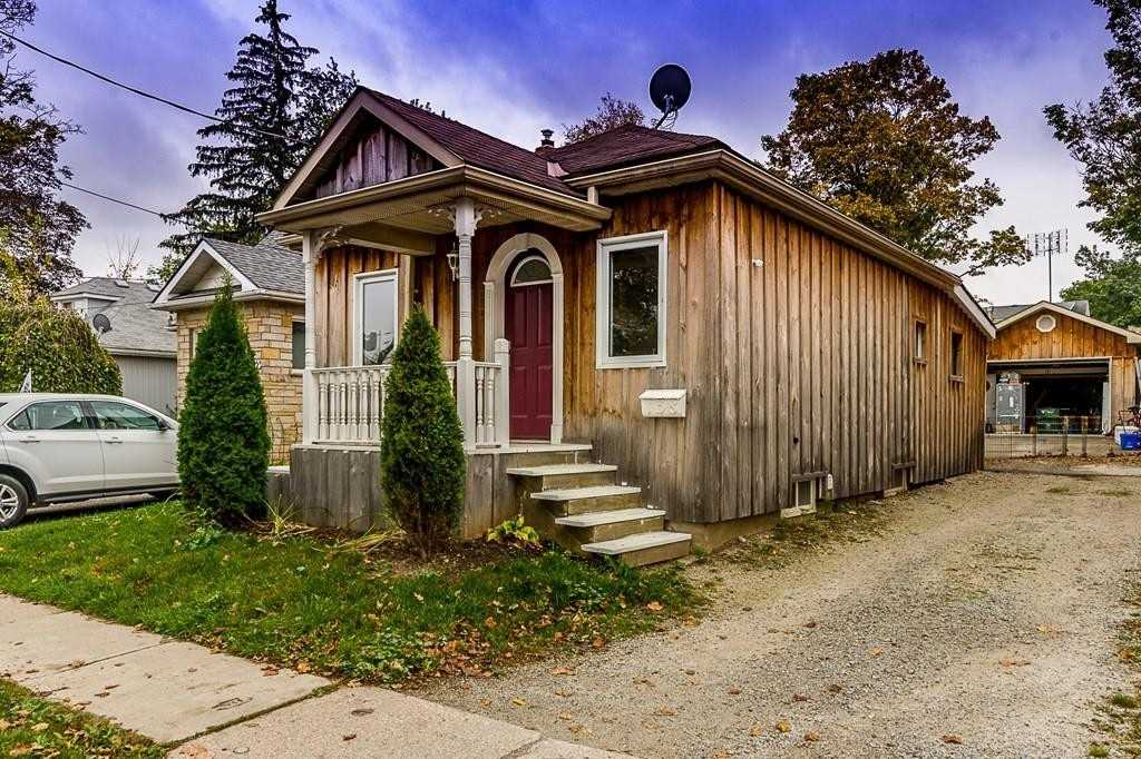 pictures of house for sale MLS: W4721177 located at 138 Commercial St, Milton L9T2J2