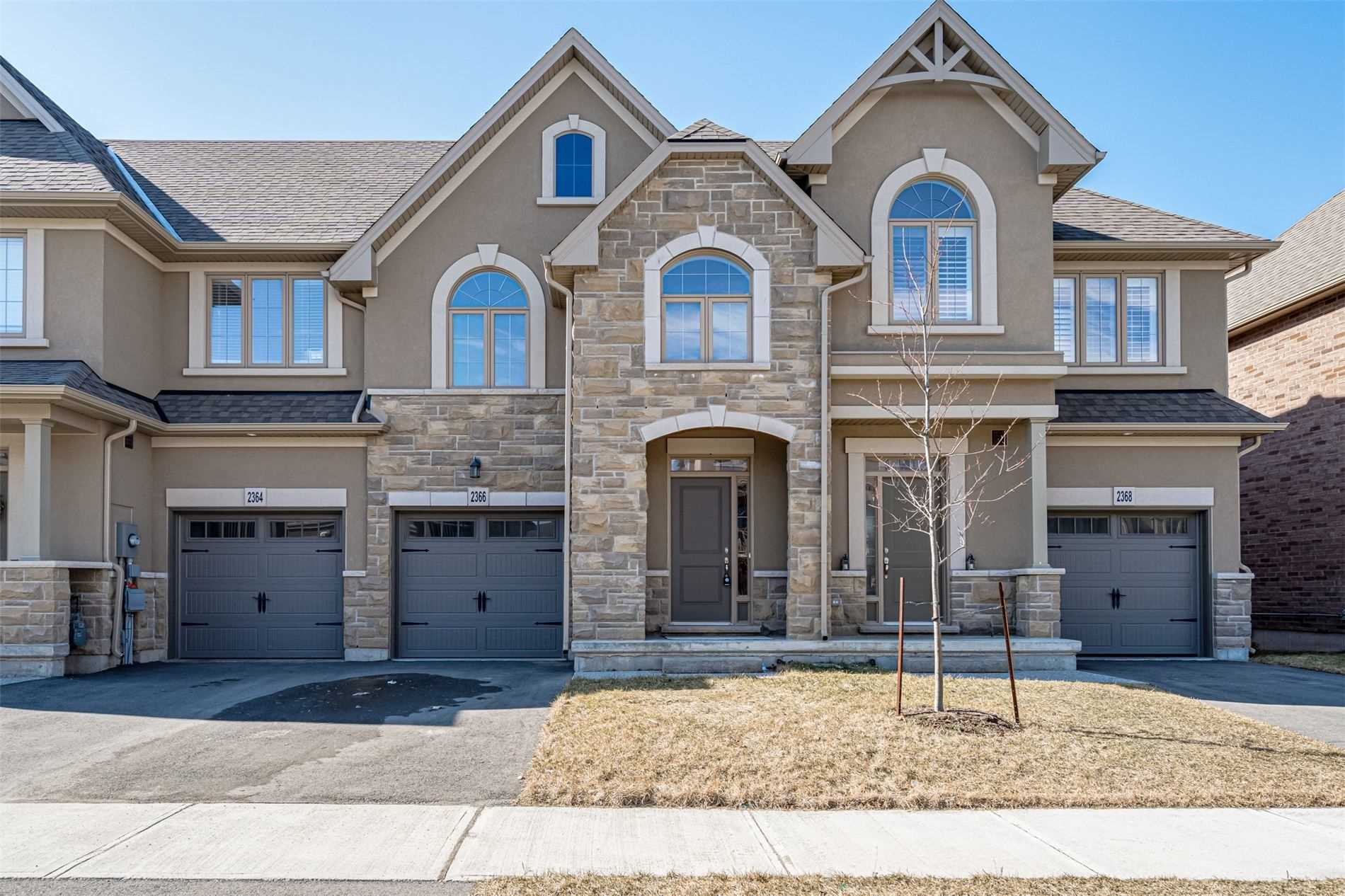 pictures of house for sale MLS: W4721479 located at 2366 Natasha Circ, Oakville L6M0K9