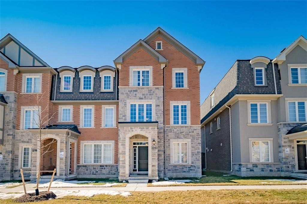 pictures of house for sale MLS: W4722939 located at 3340 Erasmum St, Oakville L6M1S3