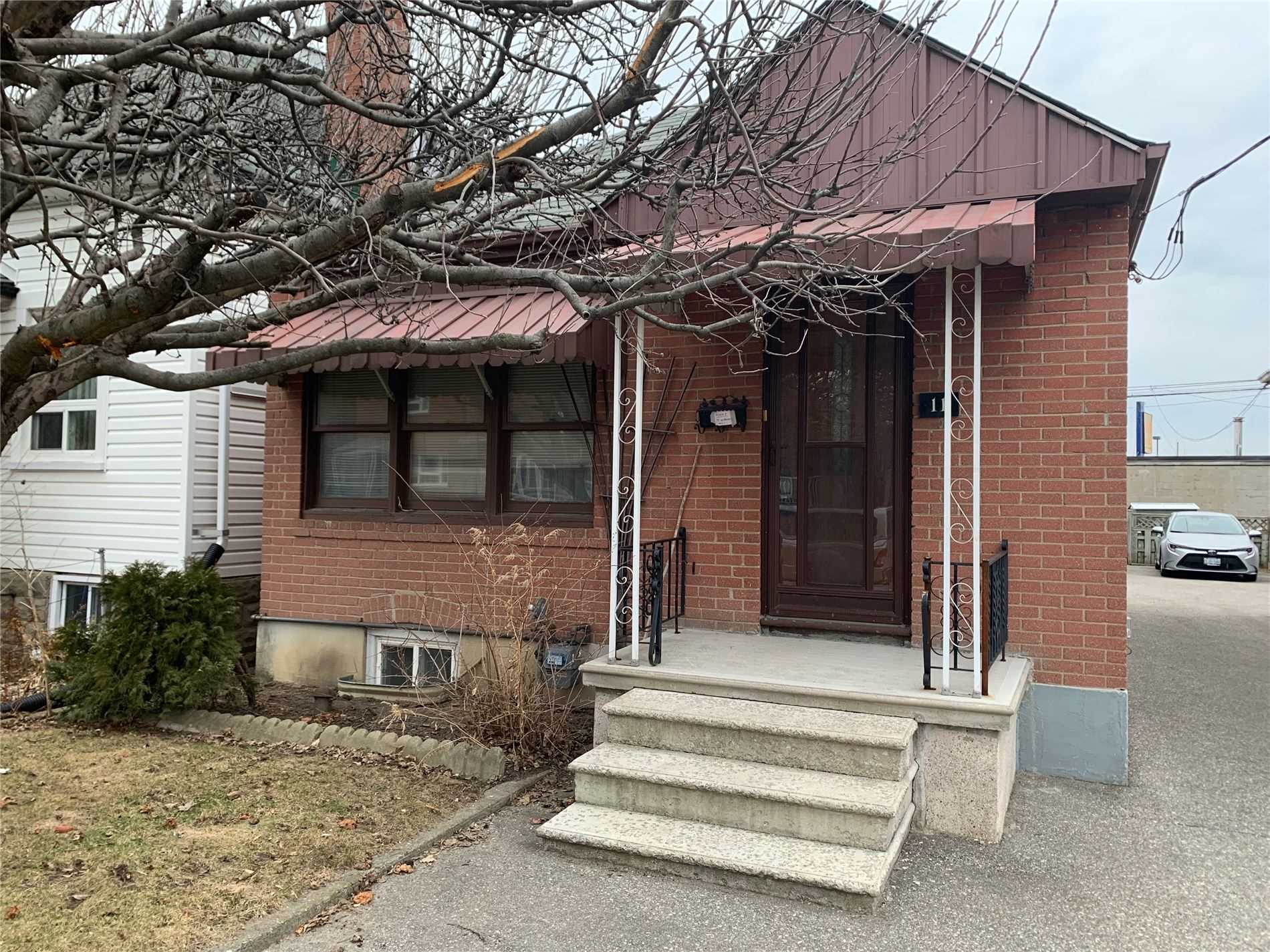 pictures of house for sale MLS: W4726601 located at 11 White Ave, Toronto M6N1S7