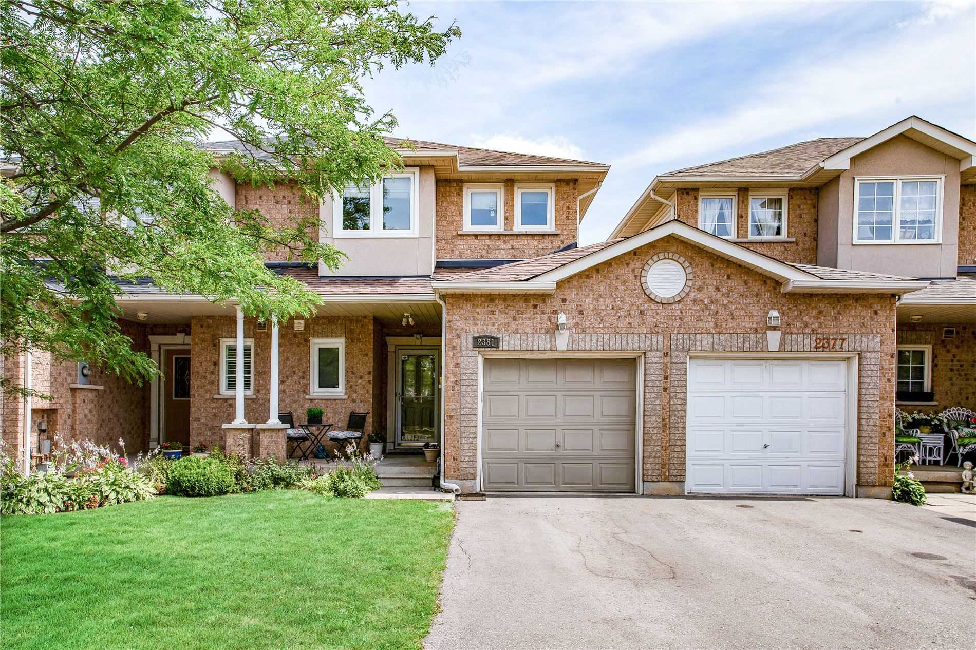 pictures of house for sale MLS: W4727500 located at 2381 Penrose Lane, Oakville L6H6K1