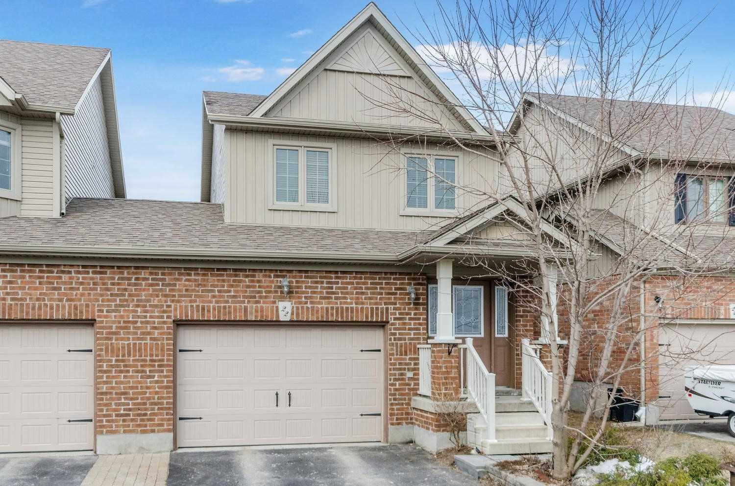 pictures of house for sale MLS: W4728121 located at 22 James Arnott Cres, Orangeville L9W0B5