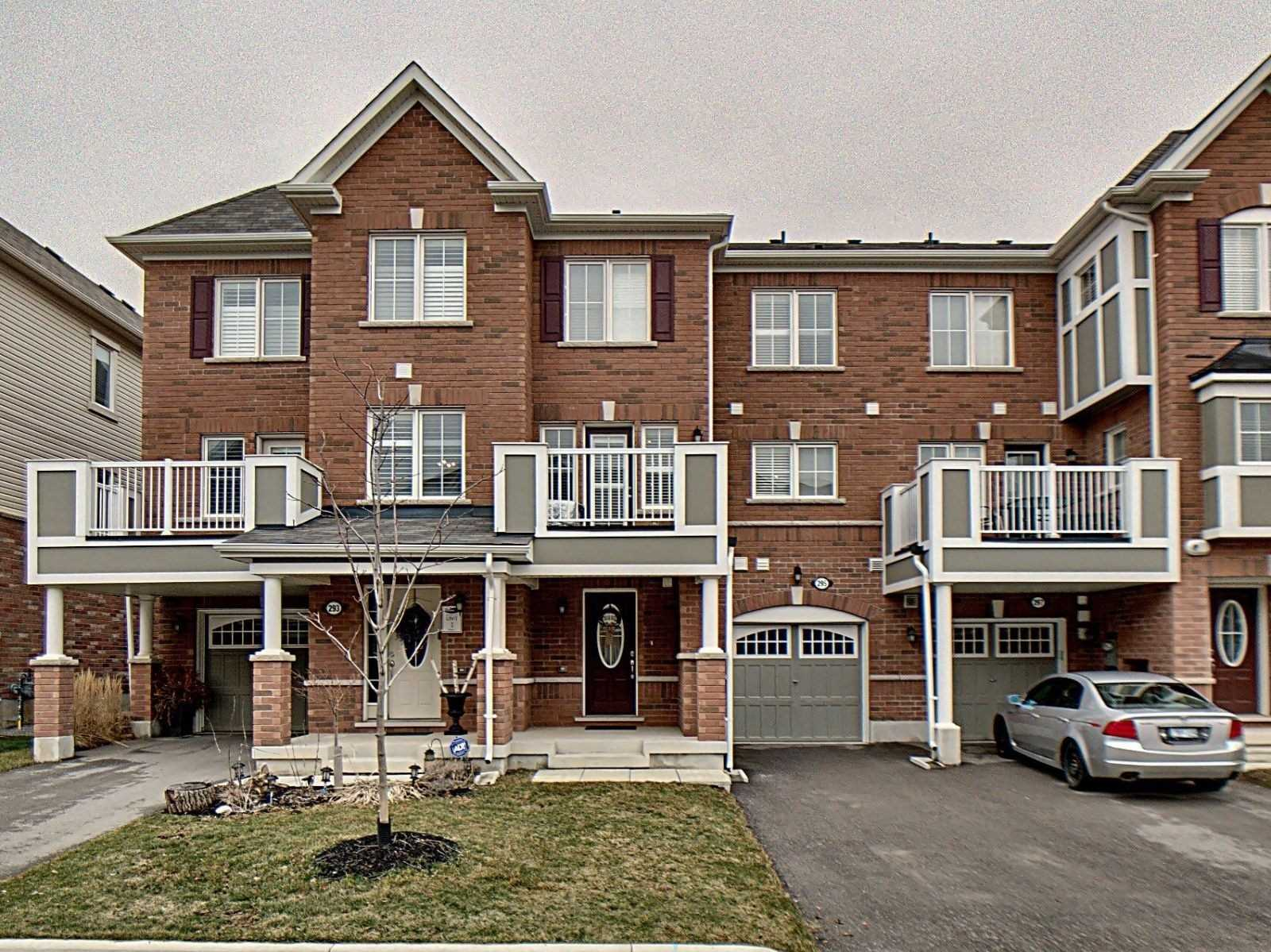pictures of house for sale MLS: W4728165 located at 295 Casson Pt, Milton L9E0A1
