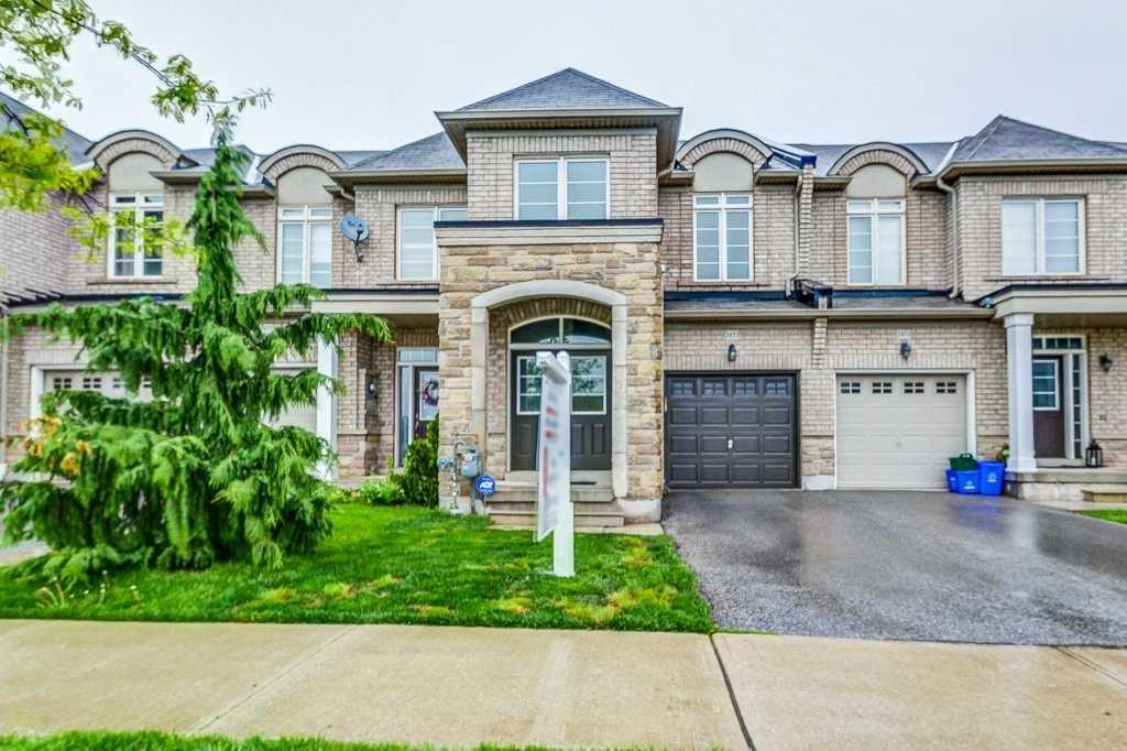pictures of house for sale MLS: W4728197 located at 2473 Grand Oak Tr, Oakville L6M0J3