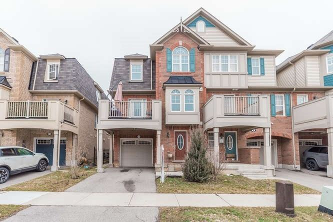 pictures of house for sale MLS: W4728684 located at 11 Suitor Crt, Milton L9T8S1