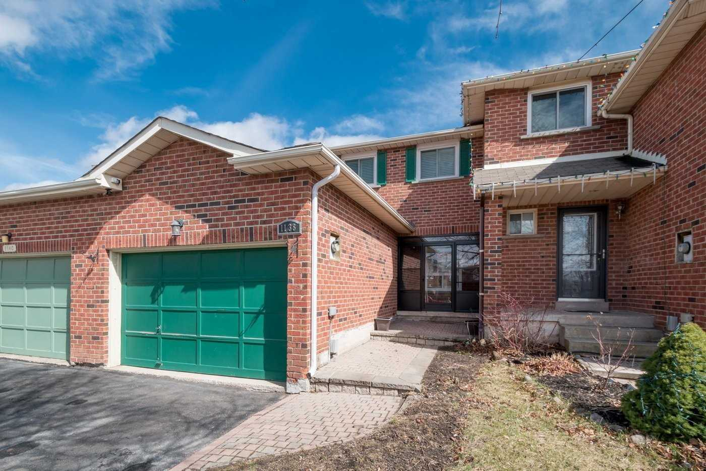 pictures of house for sale MLS: W4728896 located at 1138 Avondale Dr, Oakville L6H5L3
