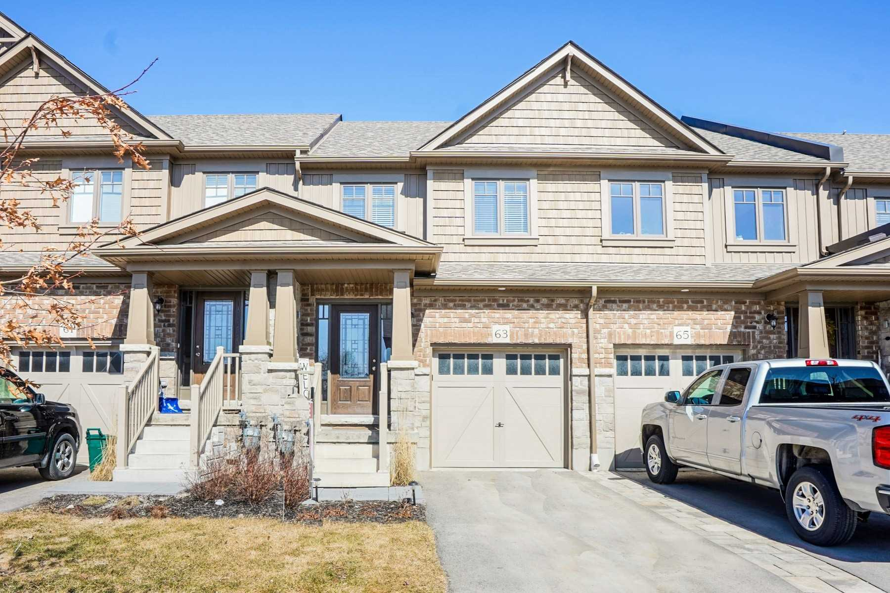 pictures of house for sale MLS: W4732496 located at 63 Winterton Crt, Orangeville L9W7N5