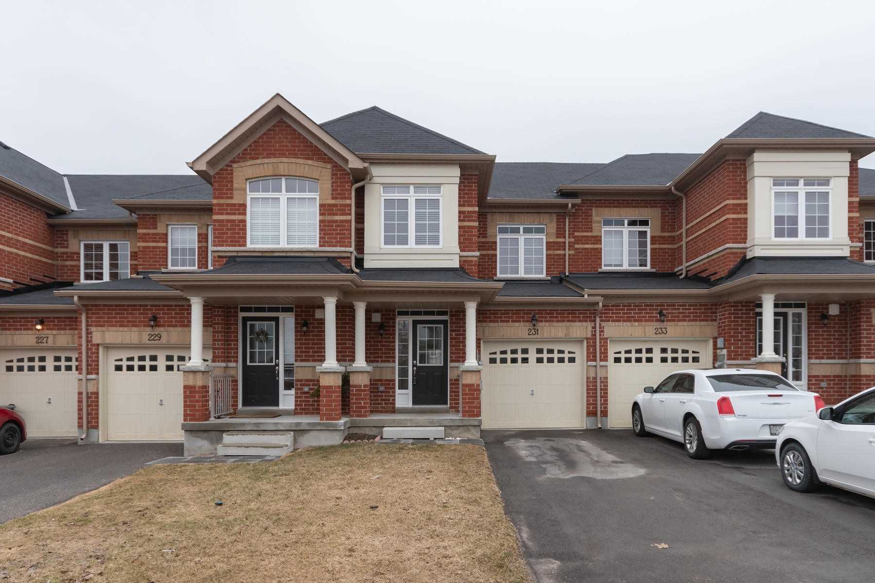 pictures of house for sale MLS: W4732796 located at 231 Thompson Rd, Orangeville L9W5T9