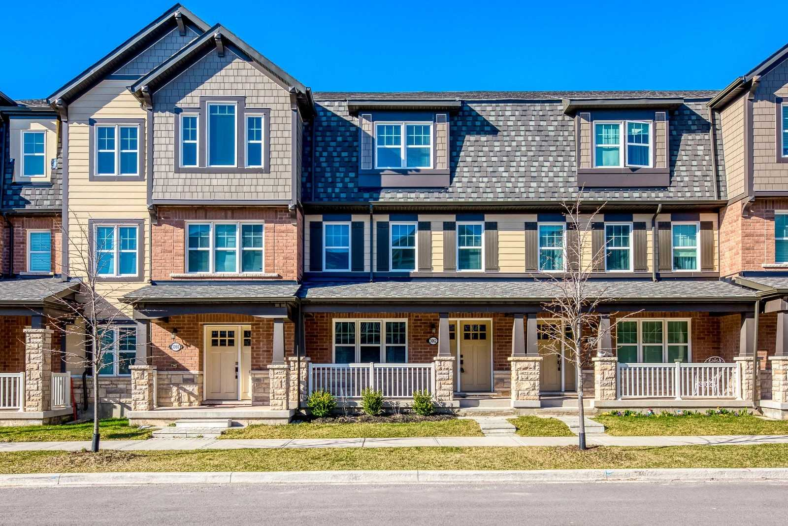 pictures of house for sale MLS: W4736496 located at 3062 Harebell Gate, Oakville L6M4M2