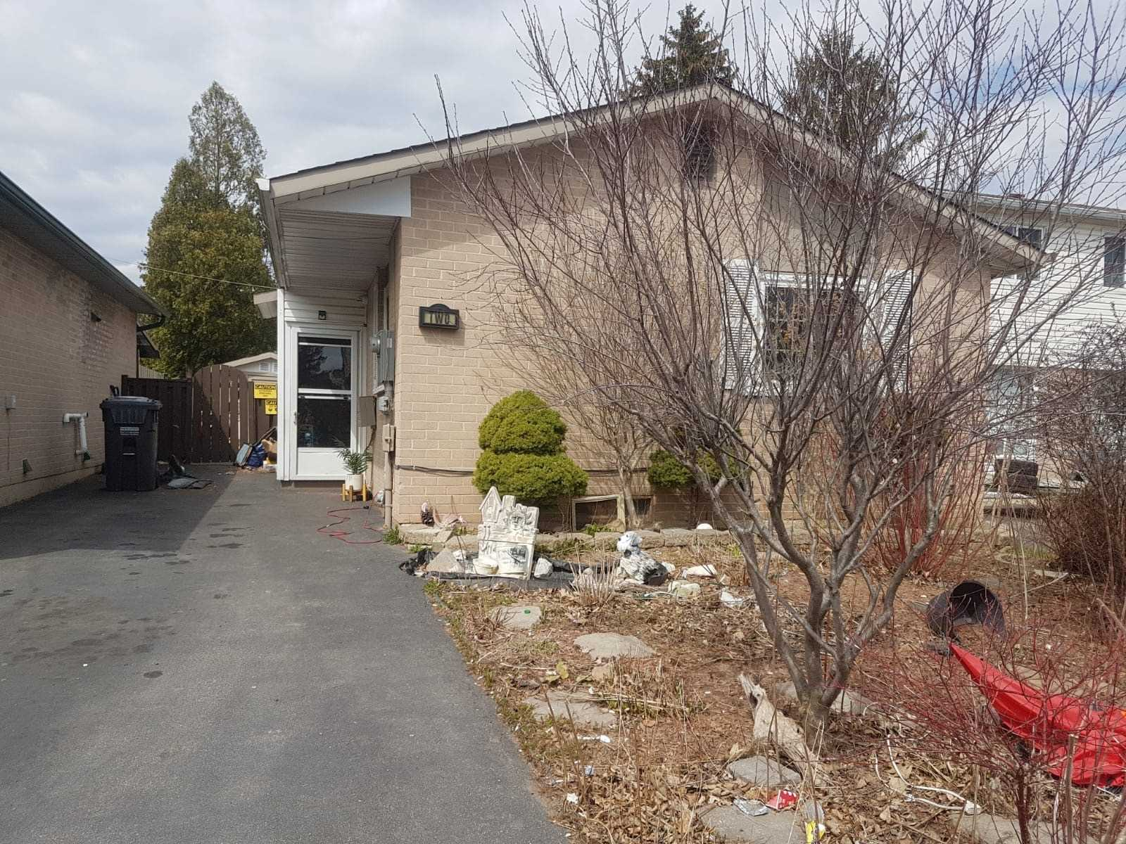 pictures of house for sale MLS: W4740297 located at 2 Hapsburg Sq, Brampton L6S1Y7