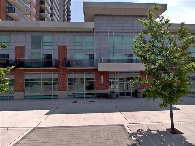 pictures of 215 Queen St E, Brampton L6W0A9