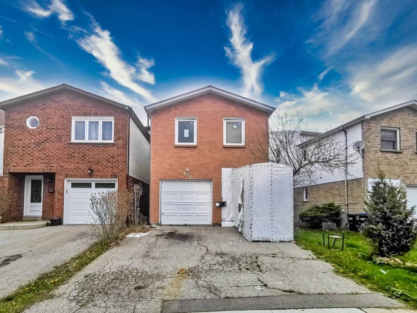 pictures of house for sale MLS: W4754113 located at 725 Galloway Cres, Mississauga L5C3R8