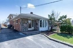 pictures of house for sale MLS: W4758460 located at 3419 Queenston Dr, Mississauga L5C2G5