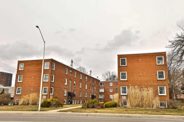 pictures of 1351 Lakeshore Rd, Burlington L7S1B1