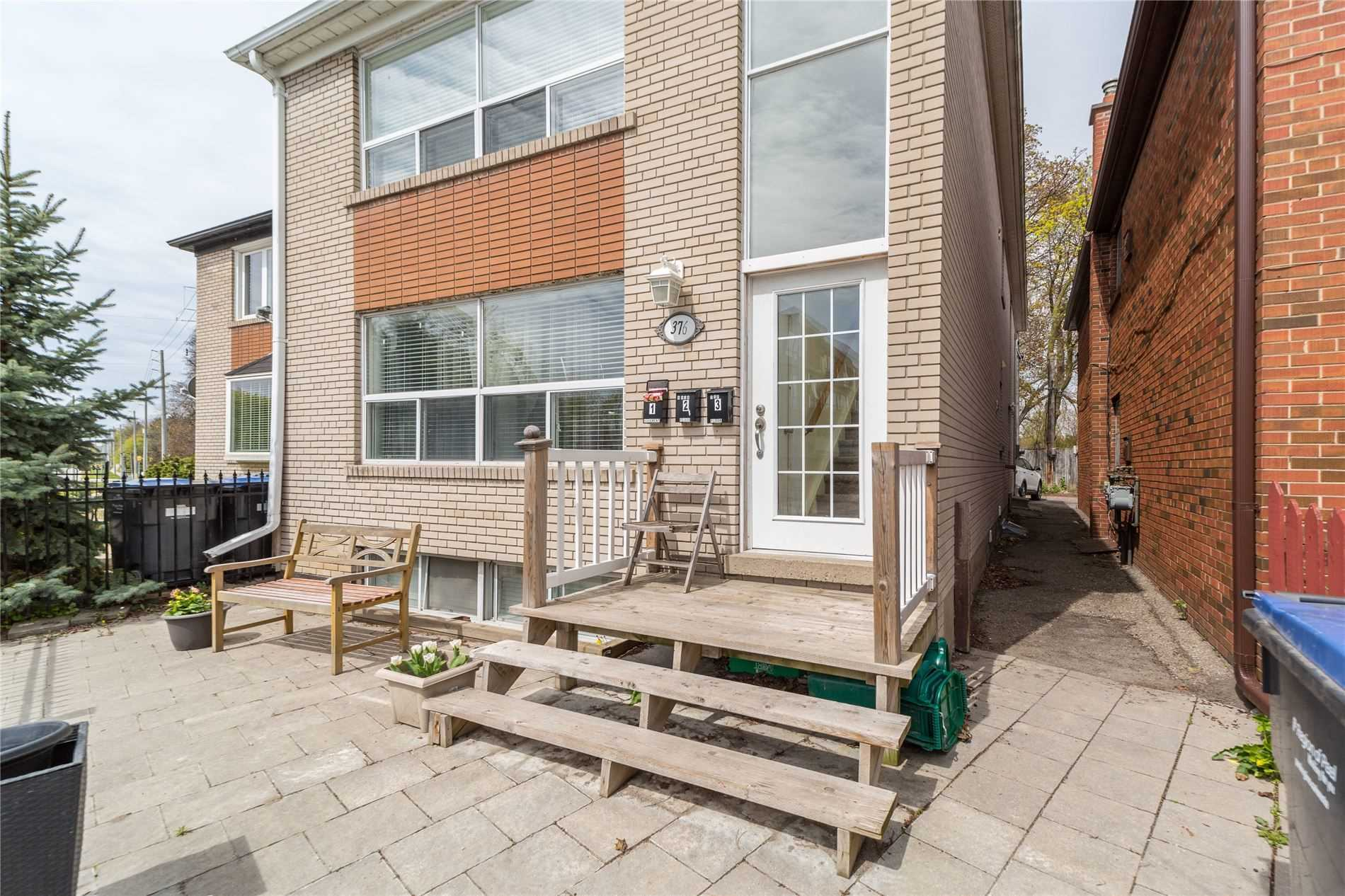 pictures of 376  Lakeshore Rd W, Mississauga L5H1H5