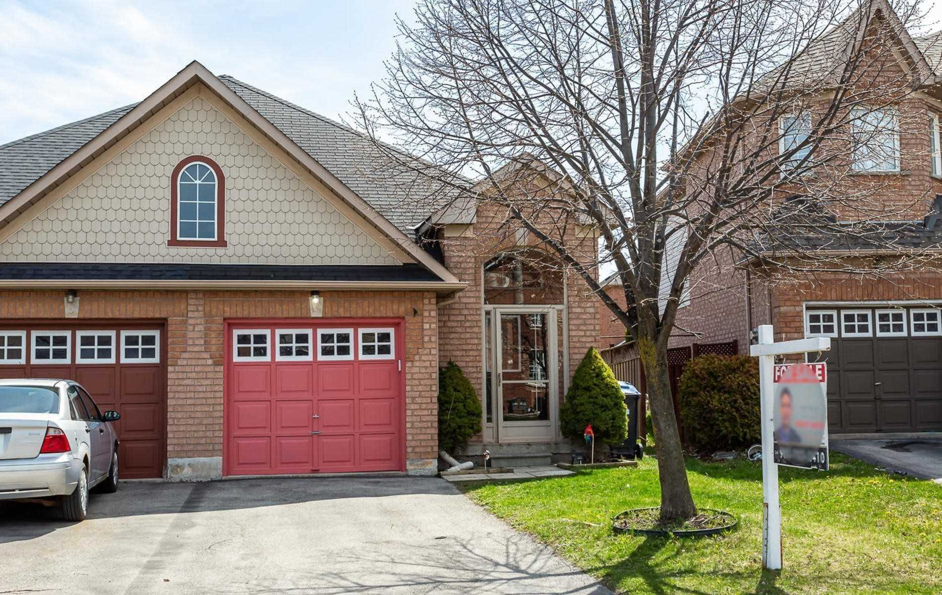 pictures of house for sale MLS: W4769906 located at 42 Twin Pines Cres, Brampton L7A1M8