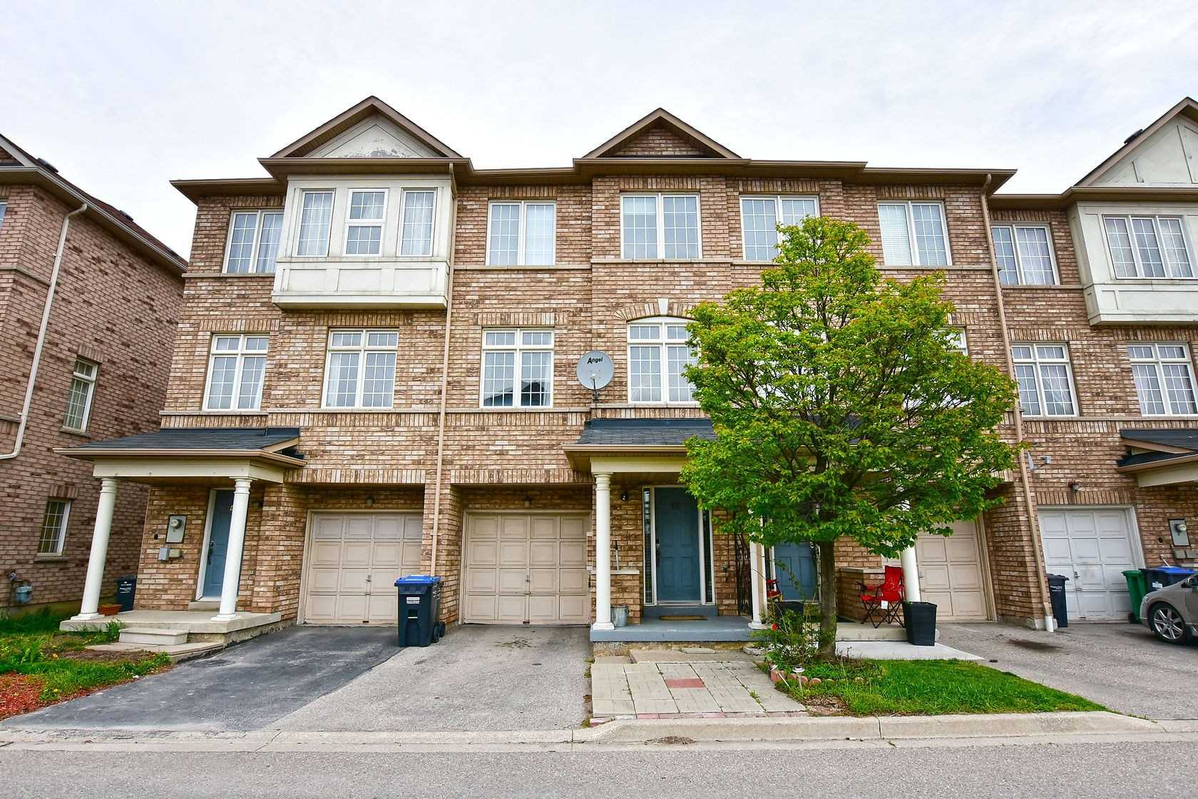 pictures of house for sale MLS: W4770071 located at 7035 Rexwood Rd, Mississauga L4T4M9