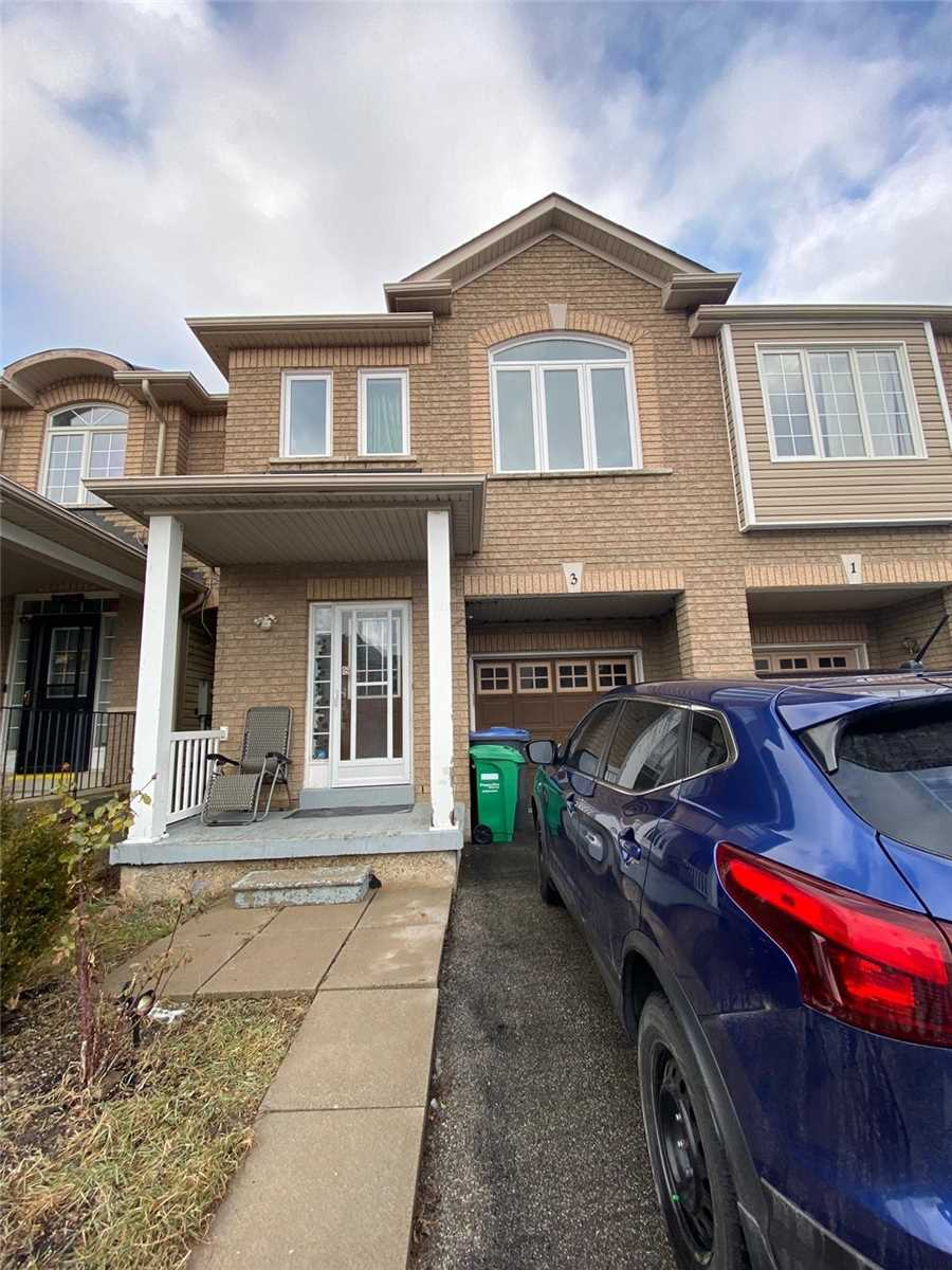 pictures of 3 Traymore St, Brampton L7A2G2