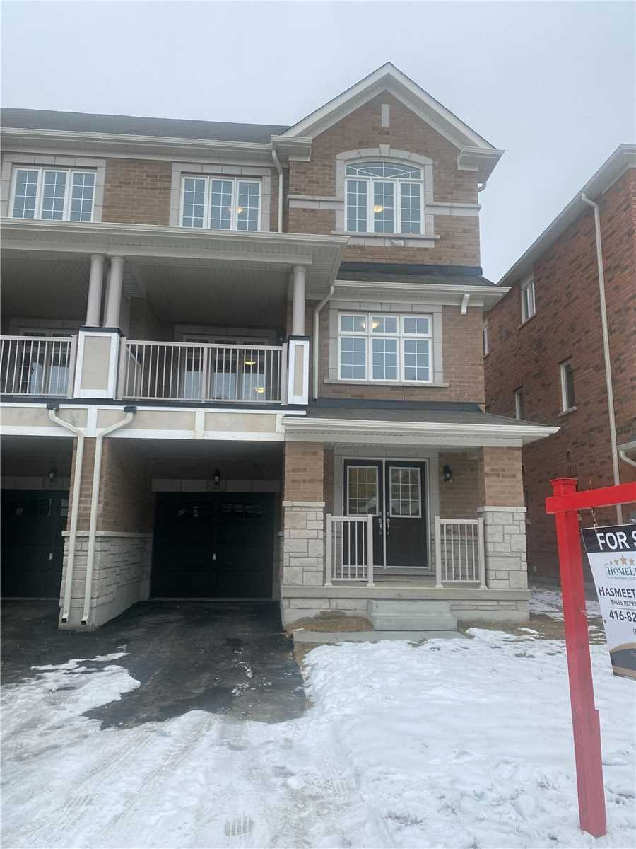 pictures of house for sale MLS: W5081744 located at 25 Lowes Hill Circ, Caledon L7C4H5