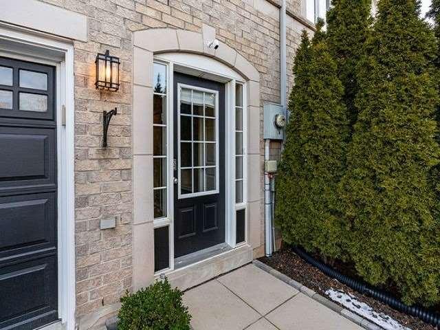 pictures of house for sale MLS: W5081900 located at 2335 Sutton Dr, Burlington L7L6Y9