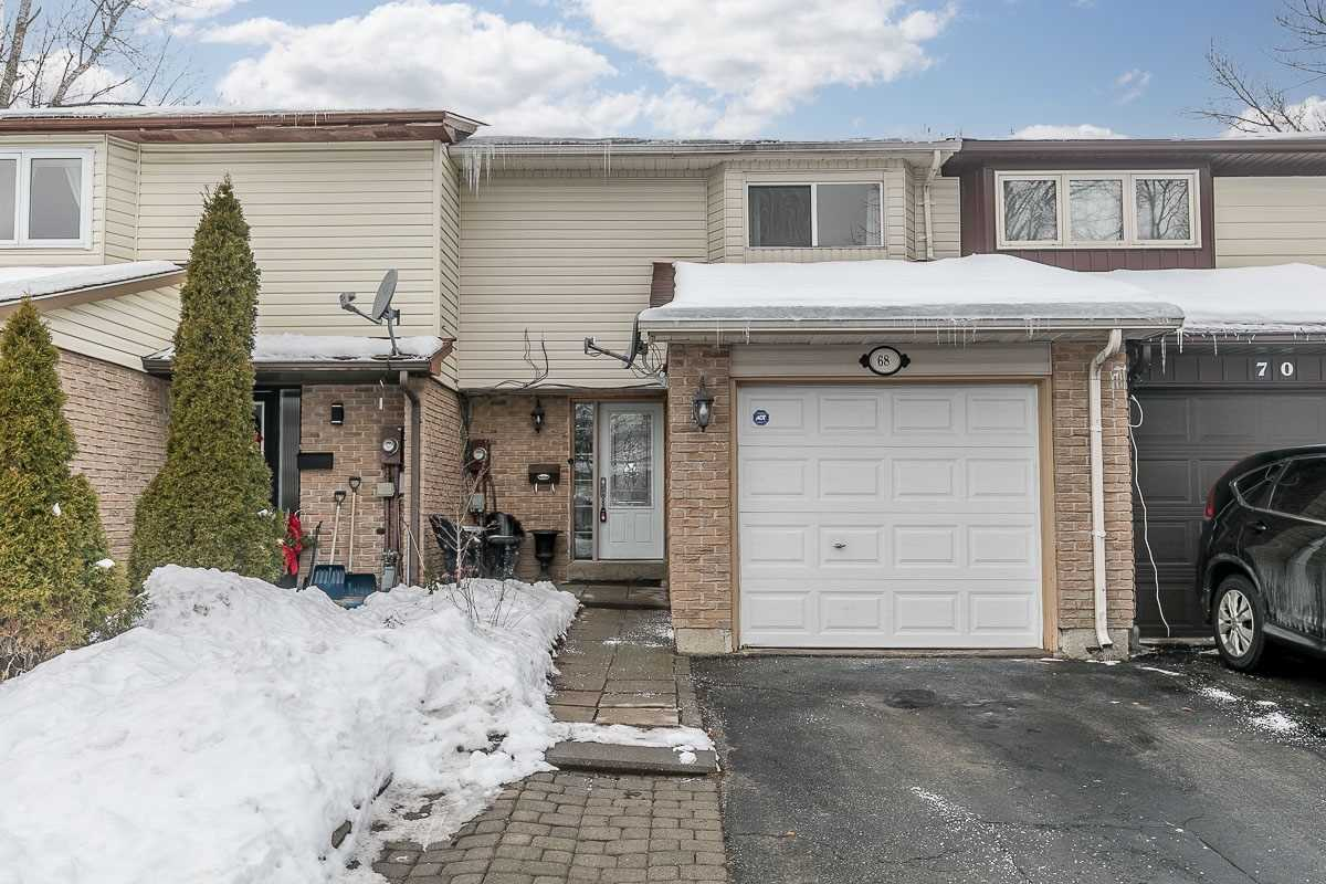 pictures of house for sale MLS: W5085429 located at 68 Karen Crt, Orangeville L9W3S3