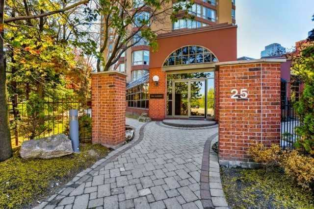 pictures of 25 Fairview Rd W, Mississauga L5B3Y8