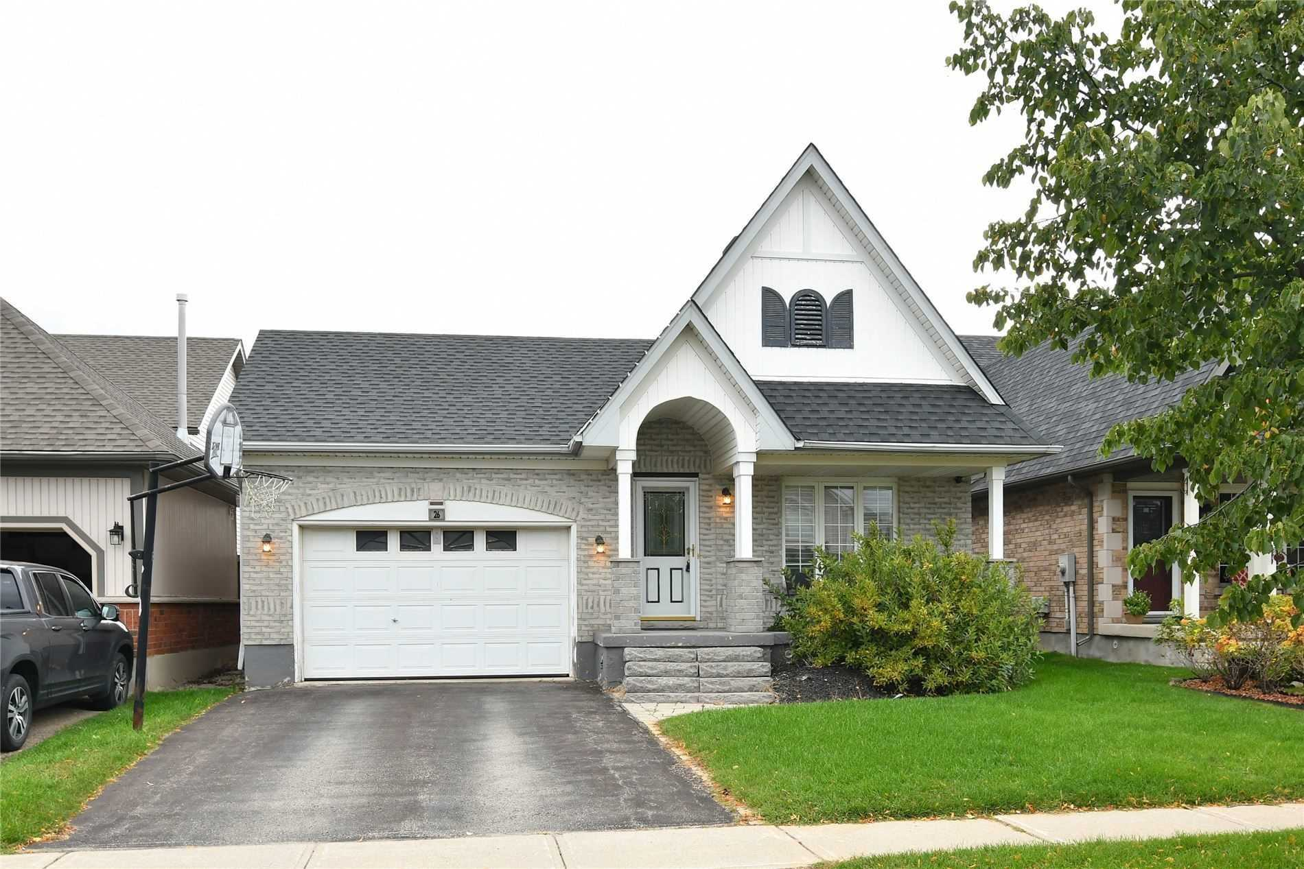 pictures of 26 Sherwood St, Orangeville L9W5A6