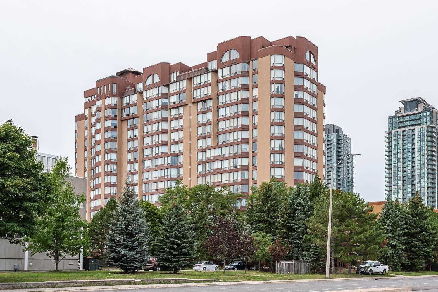 pictures of 25 Fairview Rd, Mississauga L5B3Y8