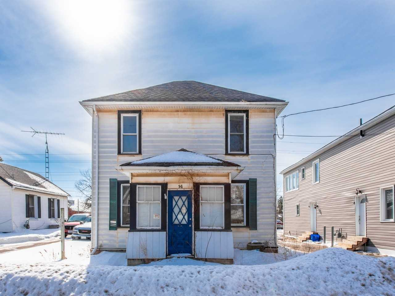 pictures of house for sale MLS: W5128204 located at 14 Young St, Halton Hills L7J2G6