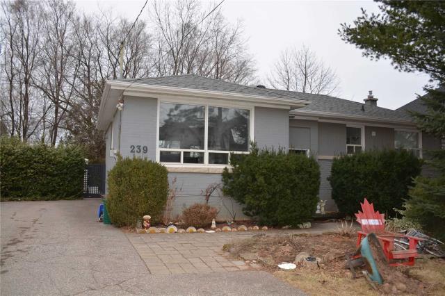 pictures of 239 Sabel St, Oakville L6L3V8