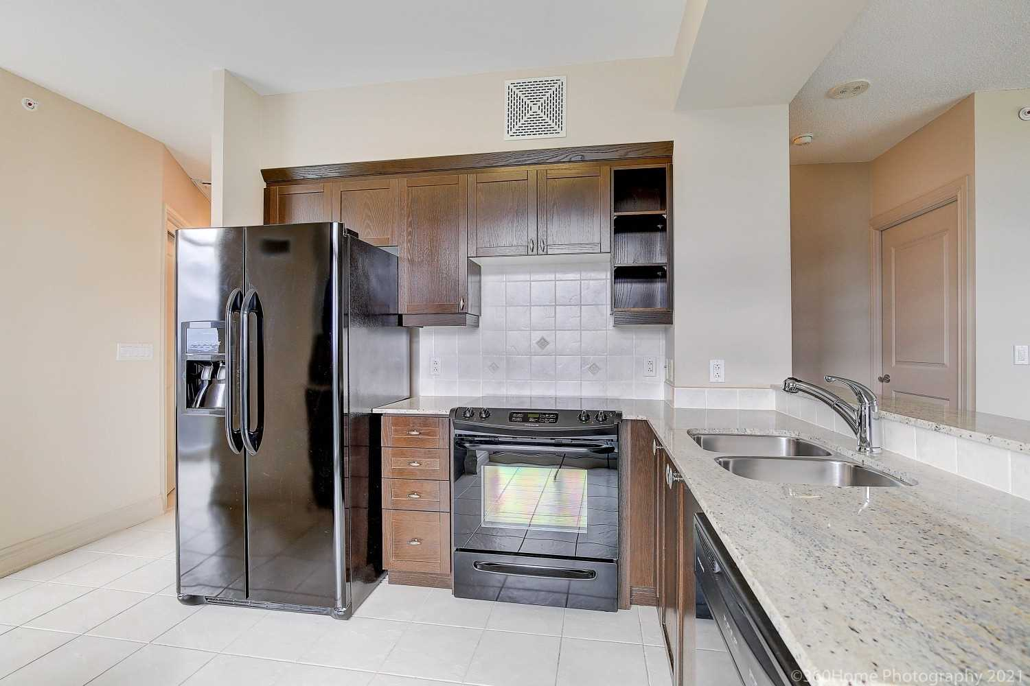 pictures of 1665 The Collegeway, Mississauga L5L0A9