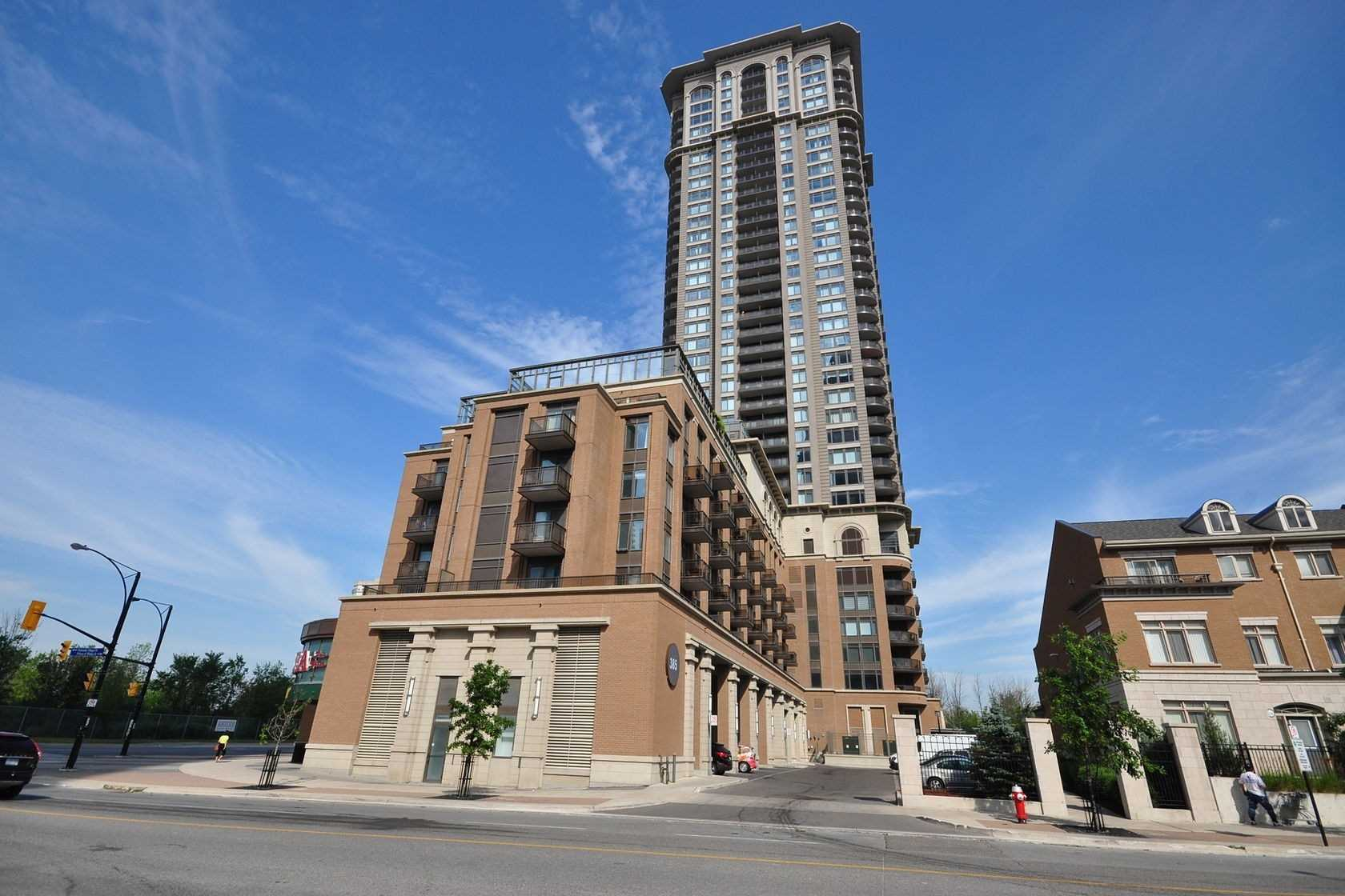 pictures of 385 Prince Of Wales Dr, Mississauga L5B0C6
