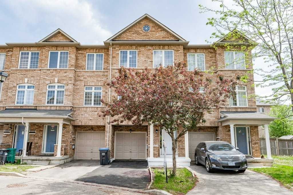 pictures of house for sale MLS: W5245024 located at 7035 Rexwood Rd, Mississauga L4T4M8