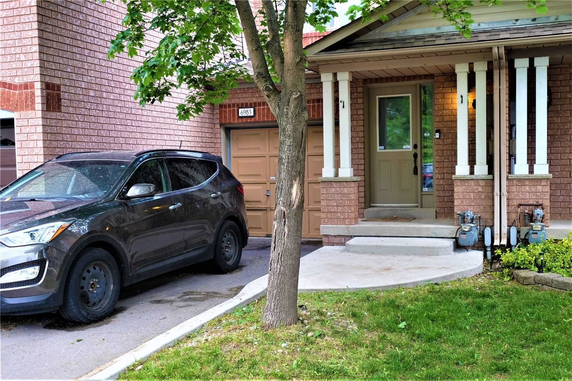 pictures of house for sale MLS: W5251757 located at 6983 Lisanne Crt, Mississauga L5N6Z7