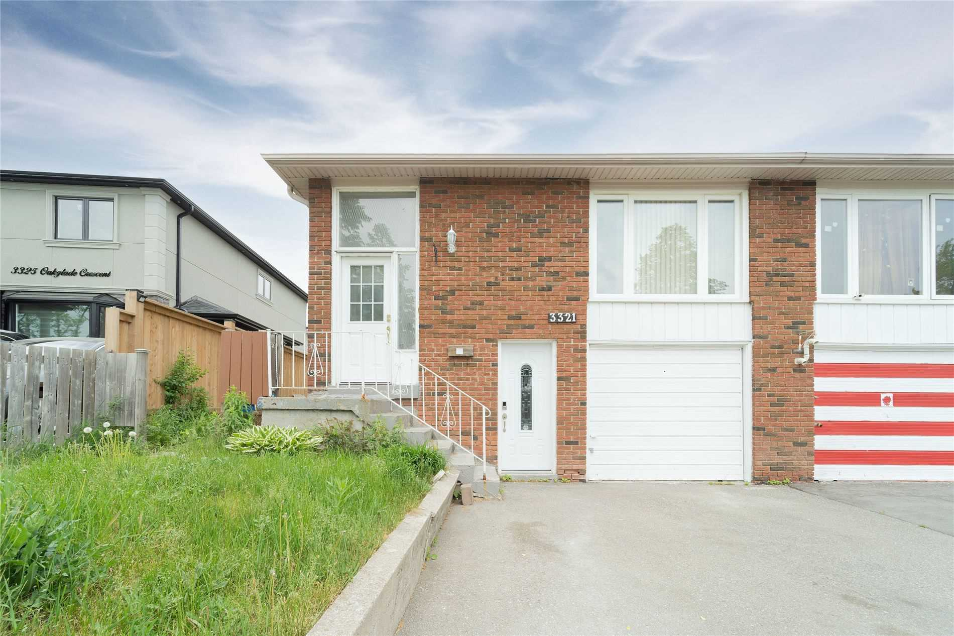 pictures of 3321 Oakglade Cres, Mississauga L5C1X4