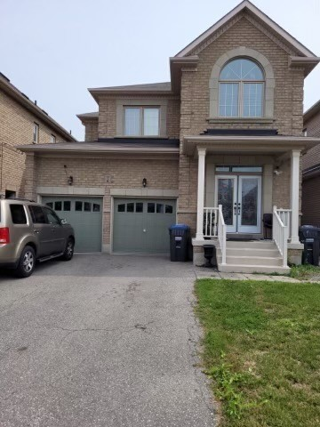 pictures of 7 Meltwater Cres, Brampton L6P3W1