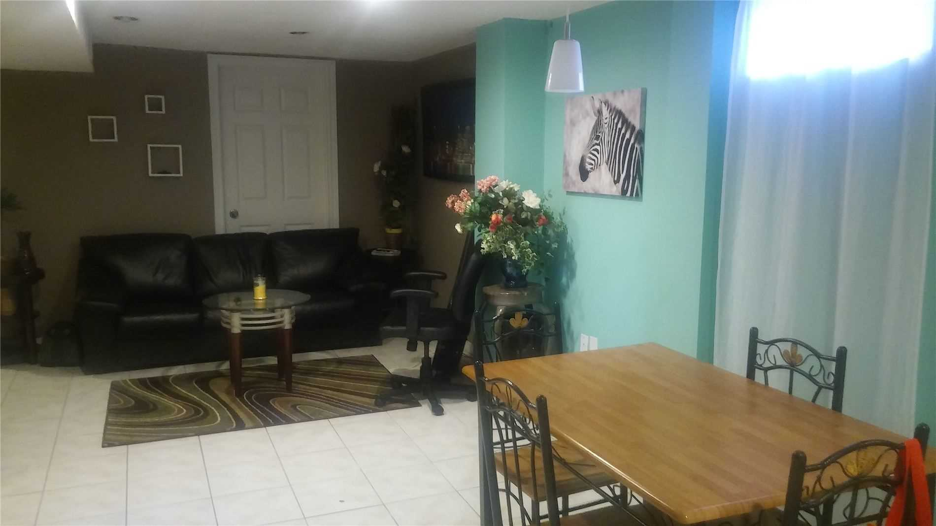 pictures of 31 Matterdale Ave, Brampton L6Y4J6