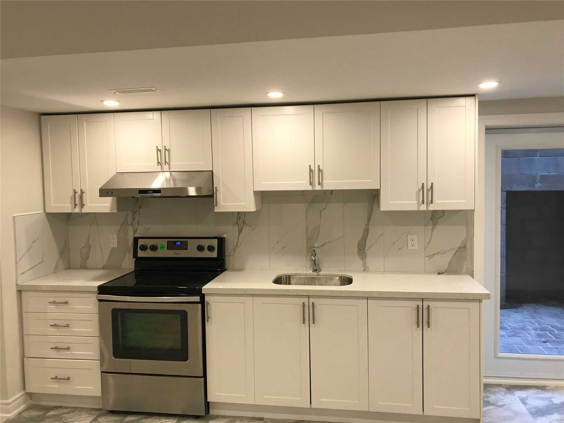 pictures of 430 Wildwood Dr, Oakville L6K1T7