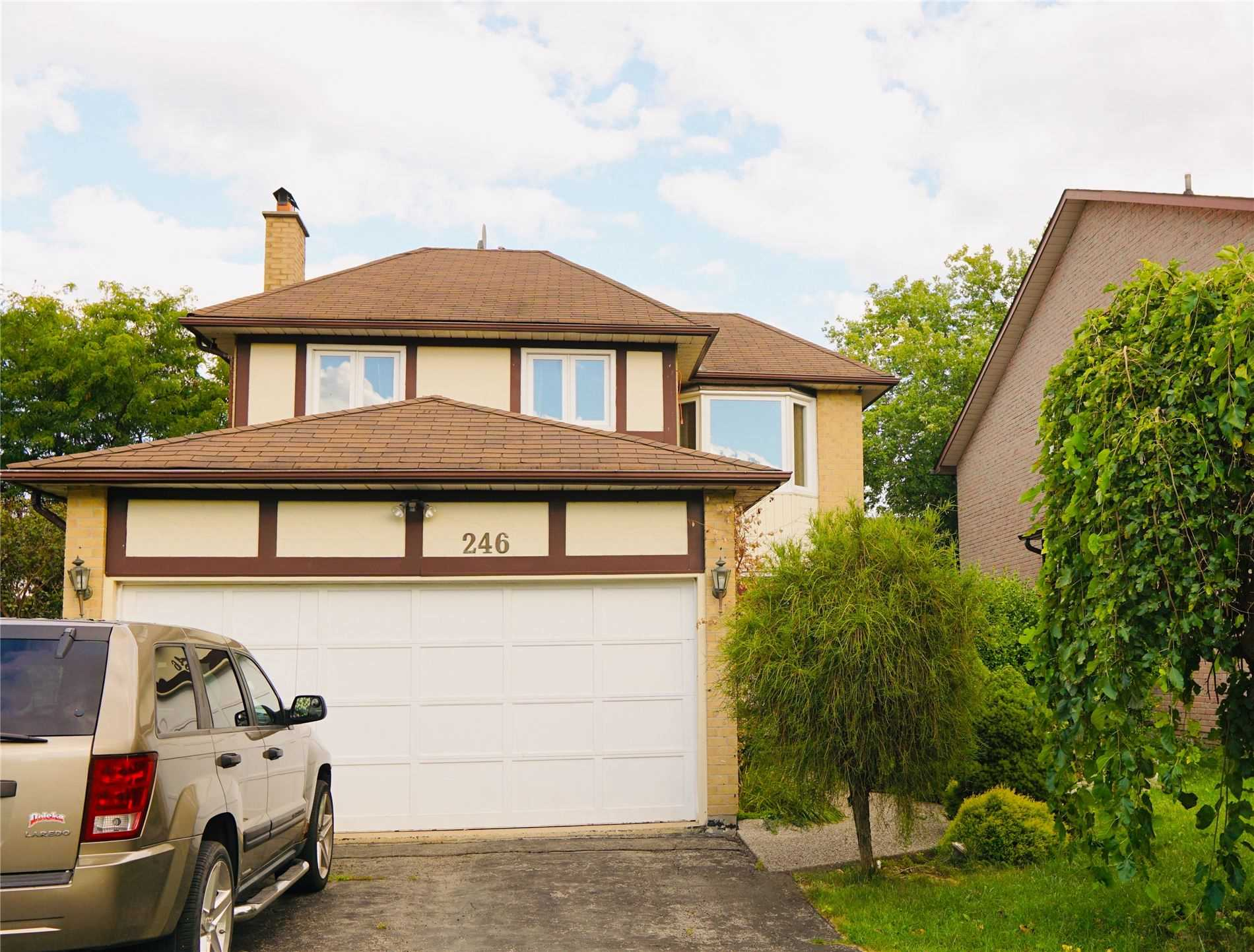 pictures of 246 Sewell Dr, Oakville L6H1E4