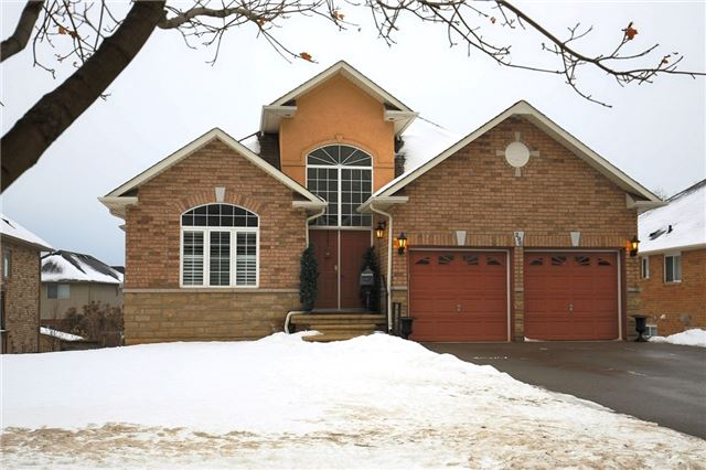 pictures of 296 Main St W, Grimsby L3M 1S4