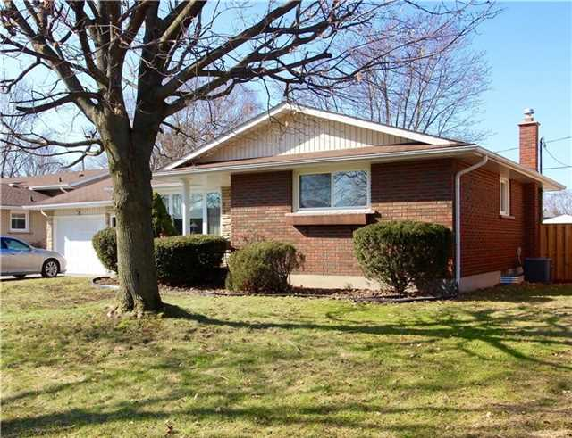 pictures of 453 Leonard Ave, Welland L3C 3A2