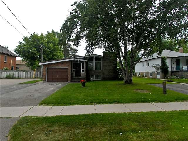 pictures of 127 Fourth Ave, Shelburne L9V 2X1