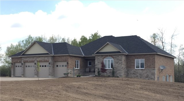 pictures of house for sale MLS: X4042362 located at 3 Rutledge Hts, Melancthon L9V3M9