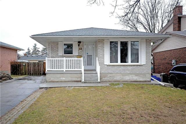 pictures of 41 Greenock Dr, Kitchener N2E 2S9