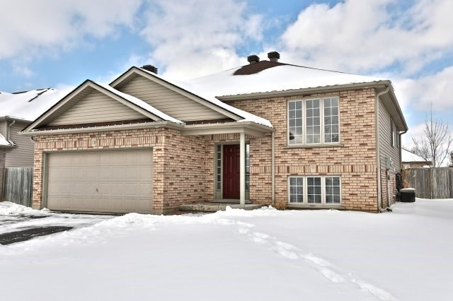 pictures of 13 Sharpe St, Brant N3L4C6