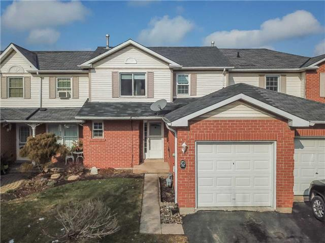 pictures of 32 Hedge Lawn Dr, Grimsby L3M 5G9